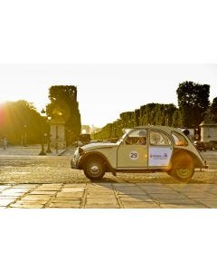Visit eternal Paris with a St Emilion Grand Cru bottle - 1.5 hours for 3 persons