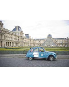 Visit eternal Paris in a Citroën 2CV - 45 minutes for 1 person